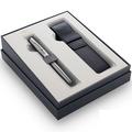 Подарочный набор с перьевой ручкой и чехлом